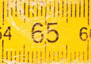 65-jaar-op-gele-duimstok